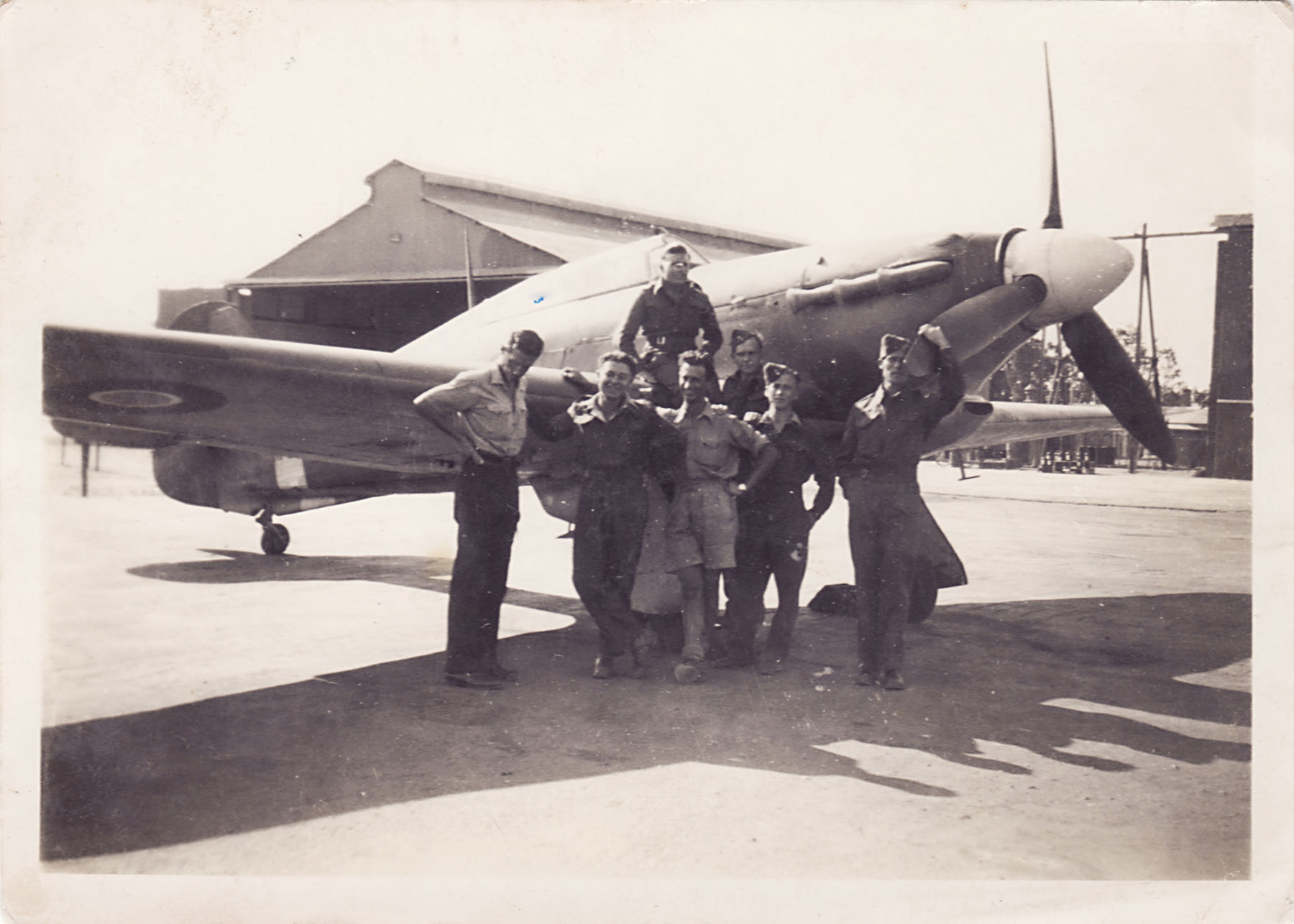 Pilots and ground crew at RAF Abu Sueir